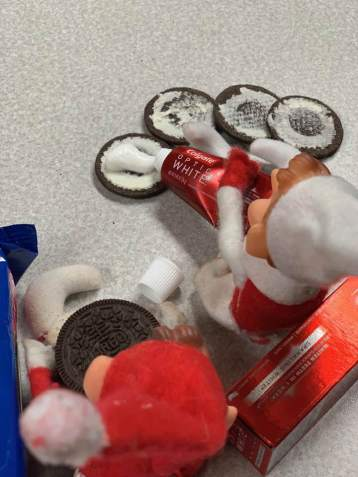 Elf on the Shelf tamcam10 Tooth Past Oreos