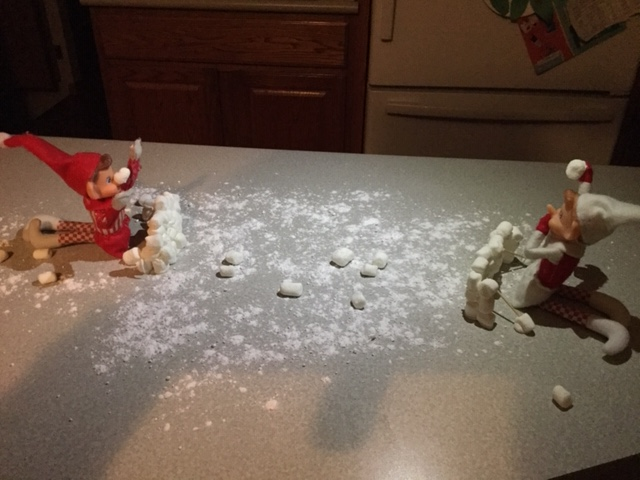 Elf on the Shelf Snowball Fight tamcam10 5