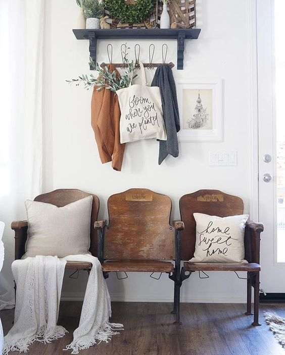 Theater Decorating Ideas: 11 Entryway Decor Ideas With Vintage Theater Chairs