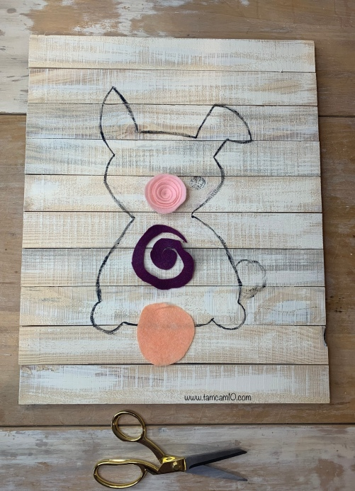 DIY Bunny Wall Craft Pallet Project Pencil Transfer  Felt Flowers tamcam10